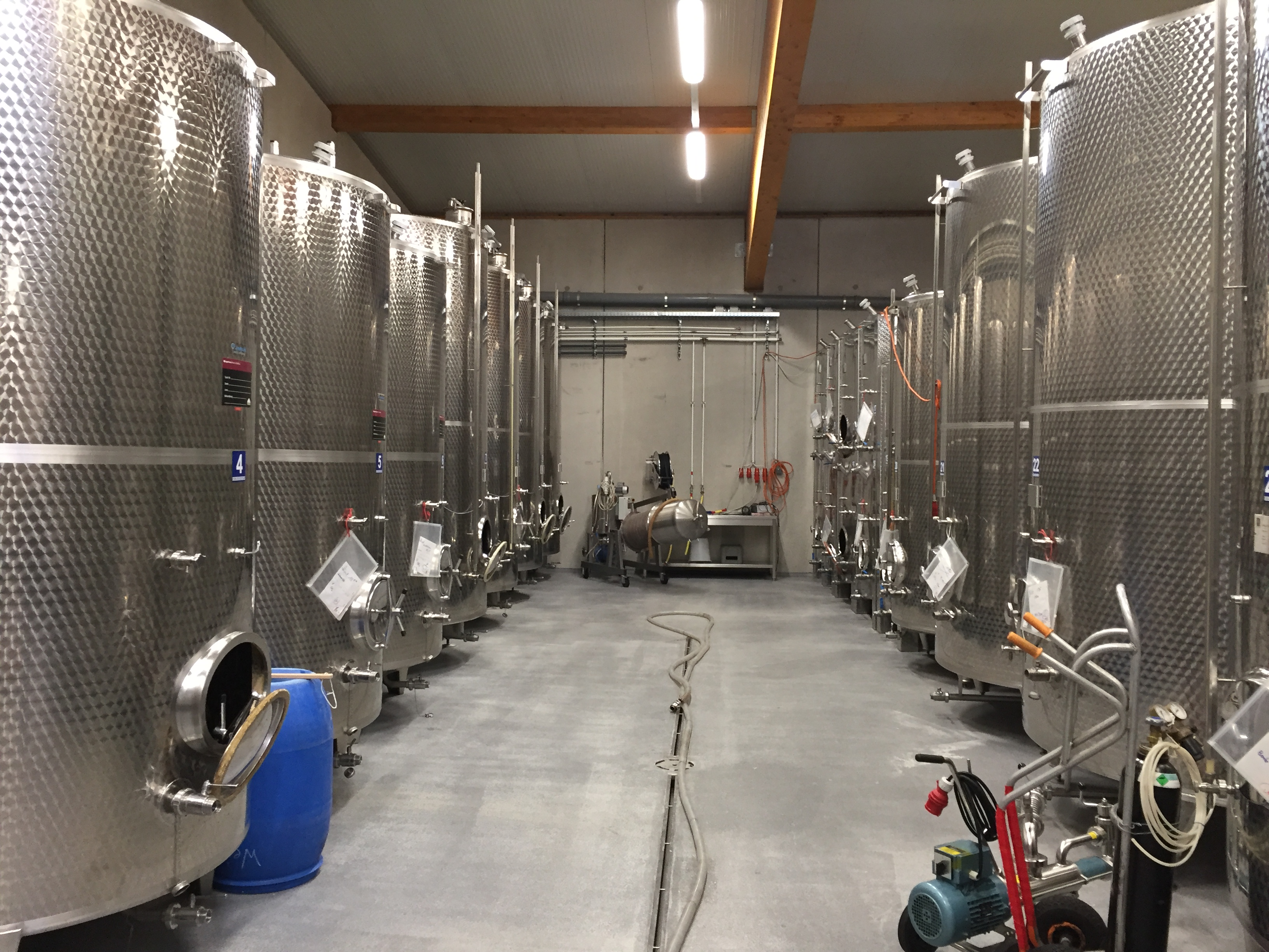 Weingut Mittelbach cellar inox